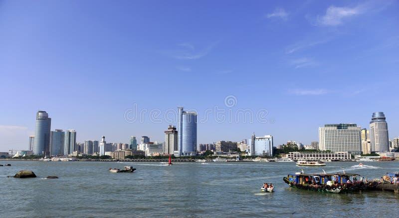 Cidade de Xiamen e o porto imagens de stock