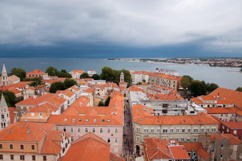 A cidade de Zadar, Croácia, vista de cima de imagem de stock