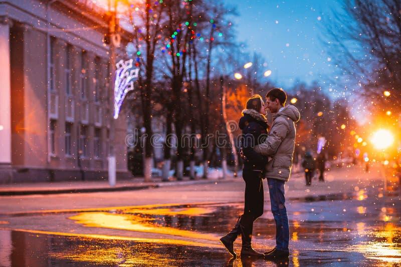 Cidade do beijo dos amantes da neve fotografia de stock royalty free