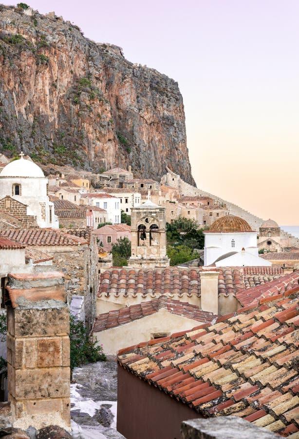 Cidade do castelo de Monemvasia em Lakonia, Grécia foto de stock