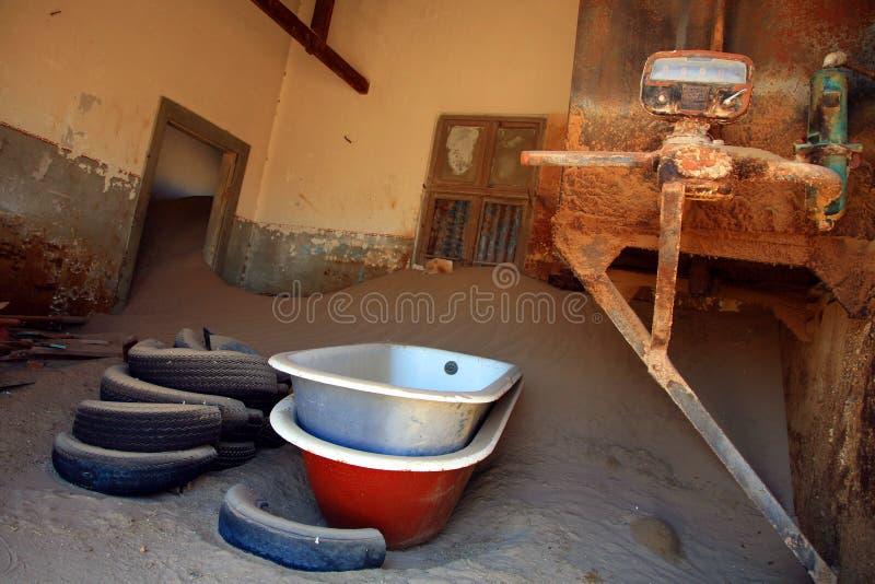 A cidade do fantasma em Kolmanskop imagens de stock royalty free