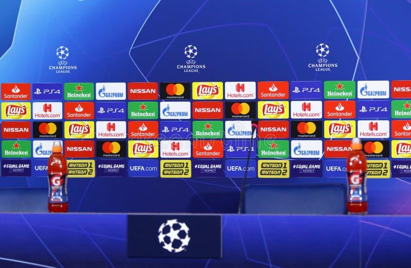Cidade do homem de Shakhtar v do UEFA Champions League Imprensa-conferência fotos de stock
