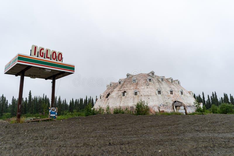 A cidade do iglu, situada na estrada do ` s George Parks de Alaska, foi abandonada desde os anos 70 fotografia de stock