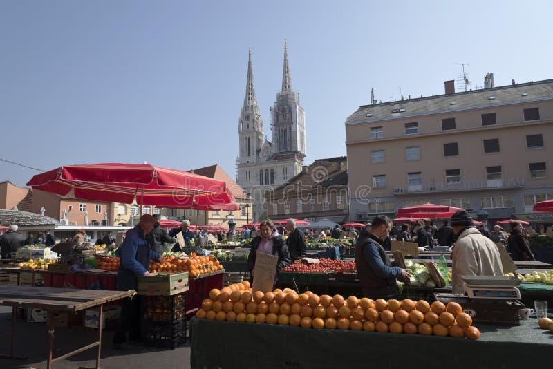 Cidade do mercado de Dolac de Zagreb Croatia fotos de stock royalty free