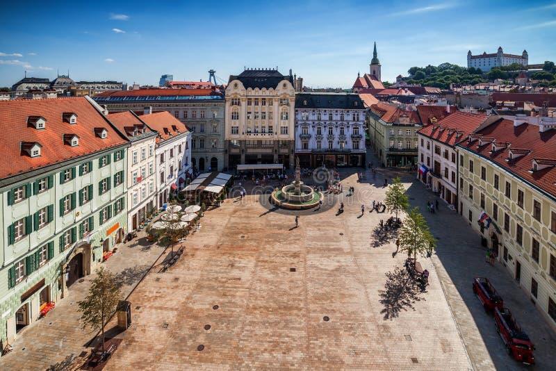 Cidade do mercado velho do cano principal da cidade de Bratislava fotografia de stock royalty free