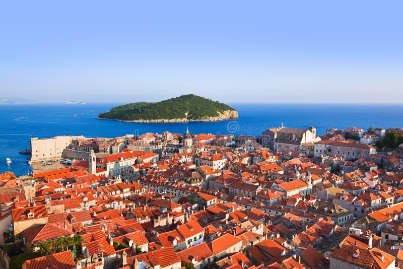 Cidade Dubrovnik e console em Croatia fotos de stock royalty free