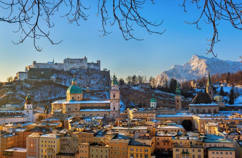 Cidade e castelo Hohensalzburg - Salzburg Áustria fotos de stock royalty free