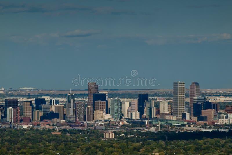 Cidade elevada da milha de Denver em a noite imagem de stock