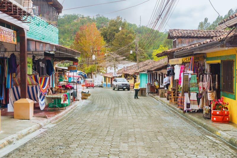 Cidade espanhola velha da mineração de Valle de Angeles perto de Tegucigalpa, Hondu fotos de stock