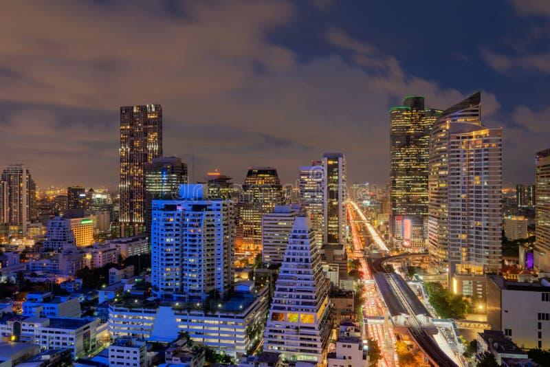 Cidade esperta Construções financeiras do distrito e do arranha-céus banguecoque imagem de stock