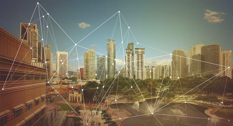 Cidade esperta e rede de comunicação sem fio imagens de stock royalty free