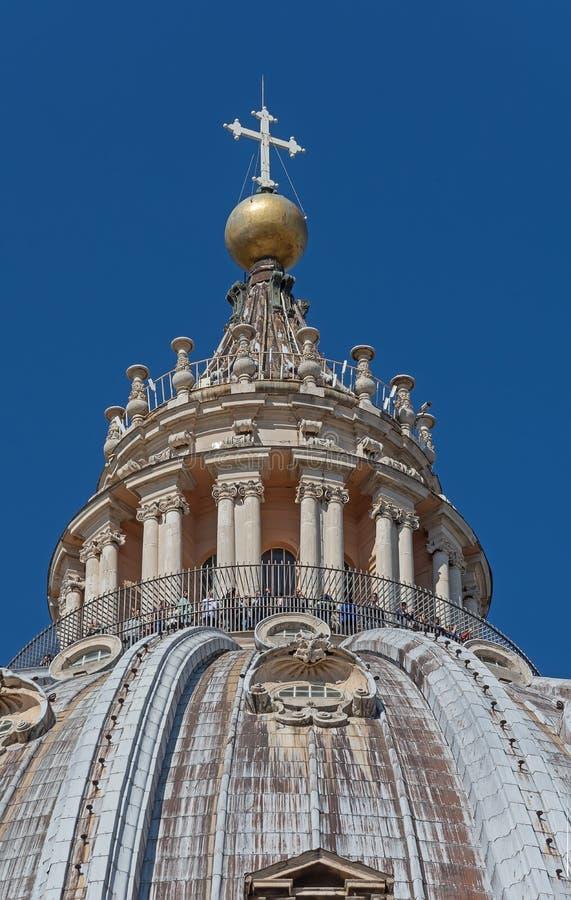 CIDADE ESTADO DO VATICANO, VATICANO, Itália - em março de 2019: Fragmentos da basílica papal de St Peter San Pietro Piazza no  imagem de stock