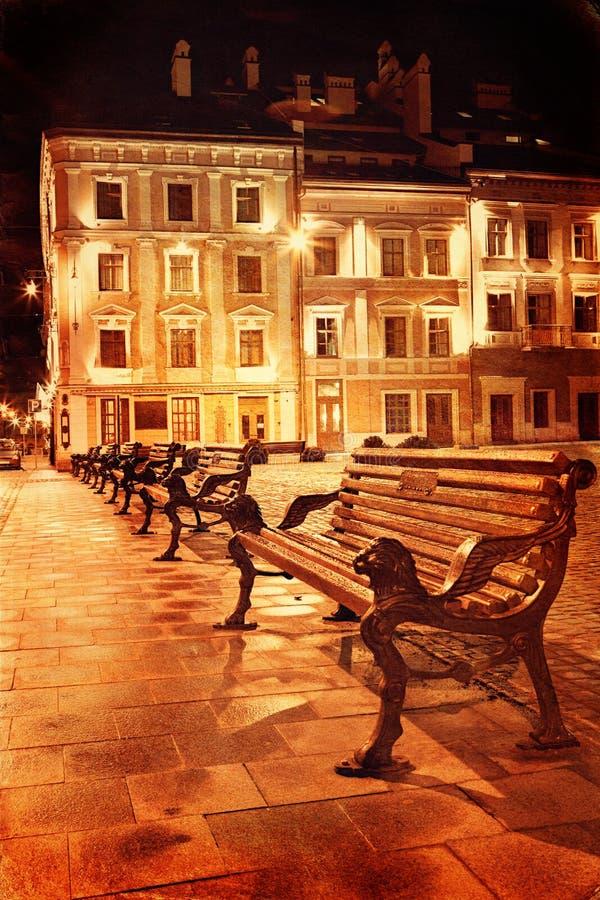 Download Cidade Europeia Velha Na Noite Imagem de Stock - Imagem de dusk, retro: 29838949