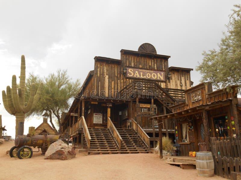 Cidade fantasma da jazida de ouro e lago canyon, o Arizona imagem de stock