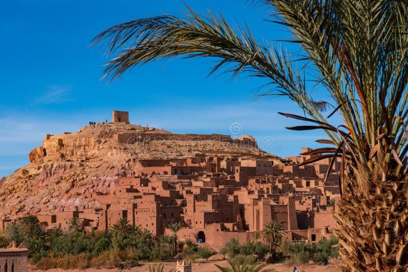 A cidade fortificada de Ait ben Haddou, perto de Ouarzazate, à beira do deserto do saara, em Marrocos Montanhas Atlas Utilizado foto de stock