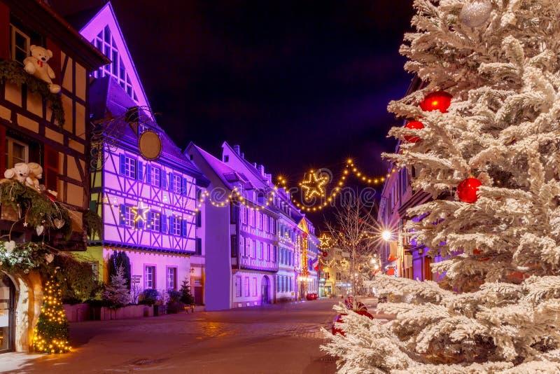 Cidade francesa Colmar na Noite de Natal imagem de stock royalty free