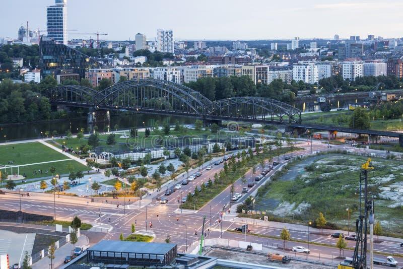 Cidade Francoforte - am - cano principal, Alemanha no crepúsculo adiantado Vista para imagem de stock royalty free