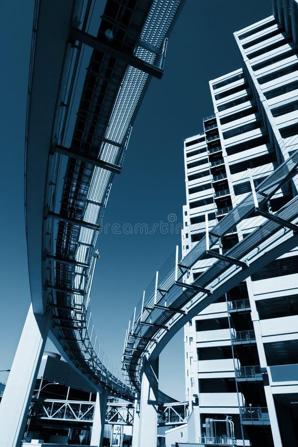 Cidade futurista do monotrilho imagem de stock royalty free