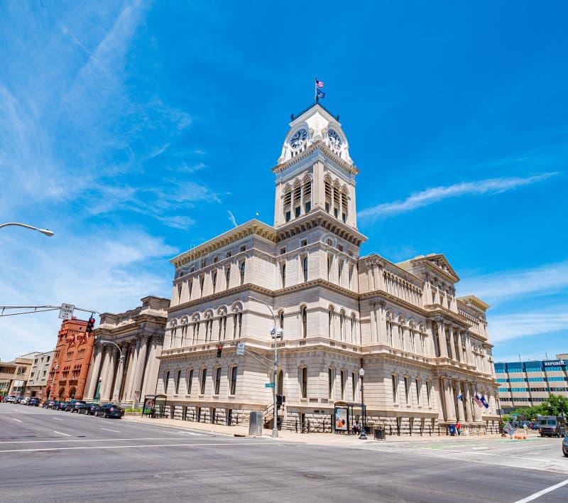 Cidade Hall Building - LOUISVILLE de Louisville EUA - 14 DE JUNHO DE 2019 imagens de stock