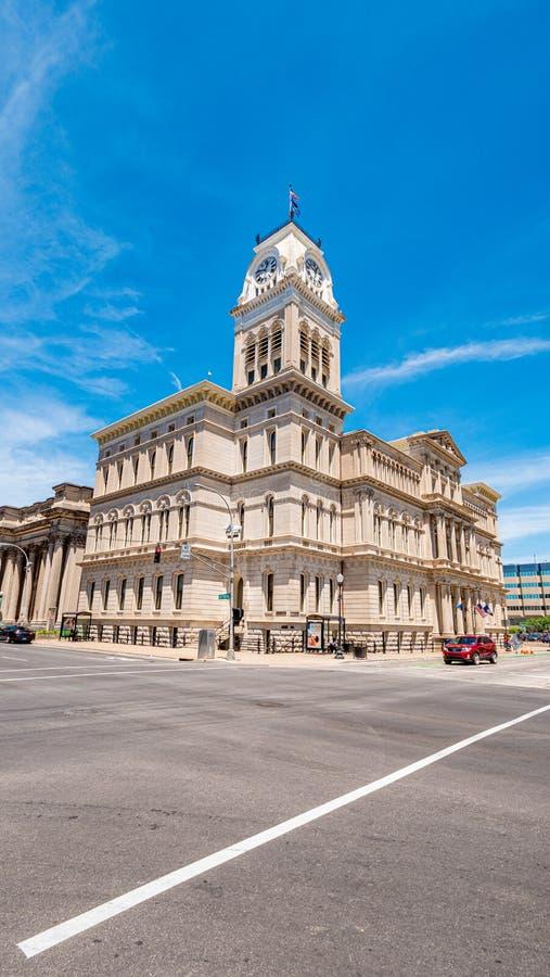 Cidade Hall Building - LOUISVILLE de Louisville EUA - 14 DE JUNHO DE 2019 foto de stock royalty free