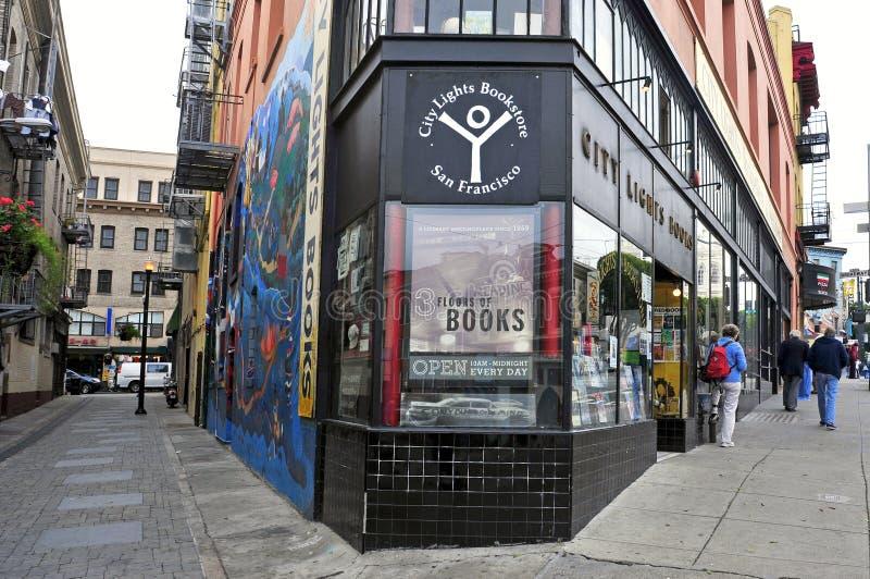 A cidade ilumina a livraria em San Francisco imagem de stock