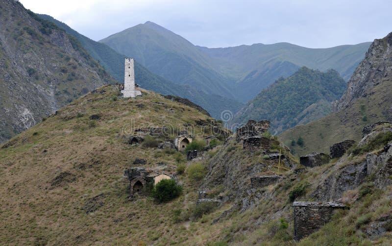 Cidade inoperante República chechena Distrito da Itum-couve O desfiladeiro de Argun Rússia foto de stock
