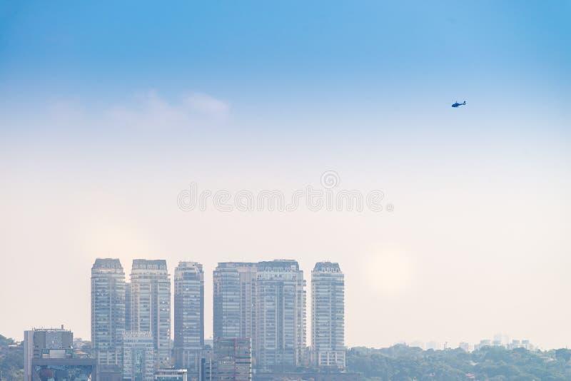 A cidade a mais grande da opinião de Sao Paulo em latino-americano imagens de stock