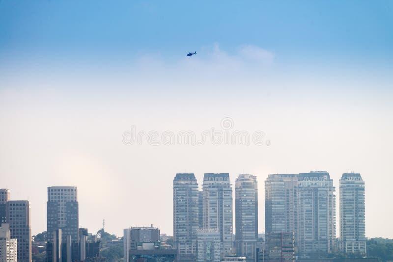 A cidade a mais grande da opinião de Sao Paulo em latino-americano fotografia de stock royalty free