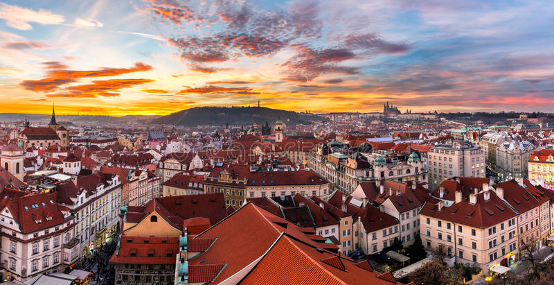 A cidade a mais místico e a mais misteriosa em Europa Praga com imagem de stock royalty free