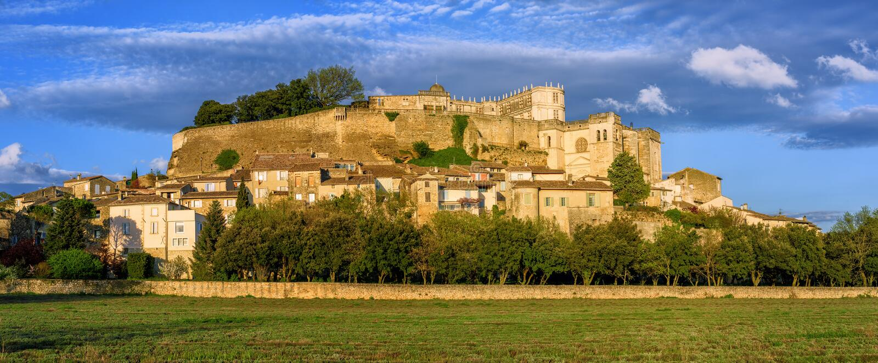 Cidade medieval de Grignan, Drome, França foto de stock