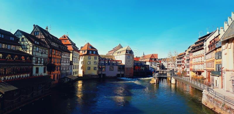 Cidade medieval do conto de fadas de Strasbourg, local do patrimônio mundial do UNESCO, Alsácia, França fotos de stock royalty free