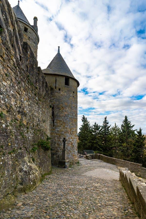 Cidade medieval fortificada de Carcassonne em França imagem de stock
