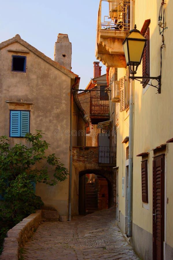 Cidade mediterrânea velha europeia do sul imagem de stock