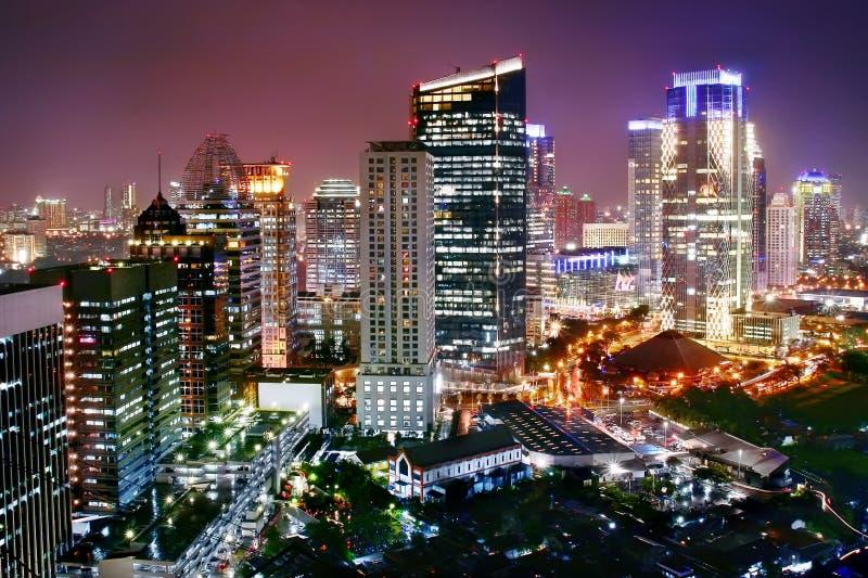 Cidade moderna da noite foto de stock royalty free