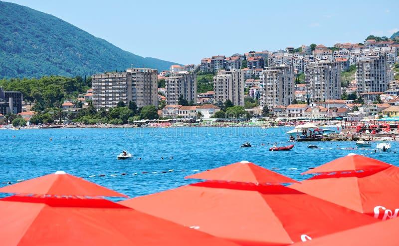 Cidade moderna de Herceg Novi, Montenegro imagens de stock royalty free