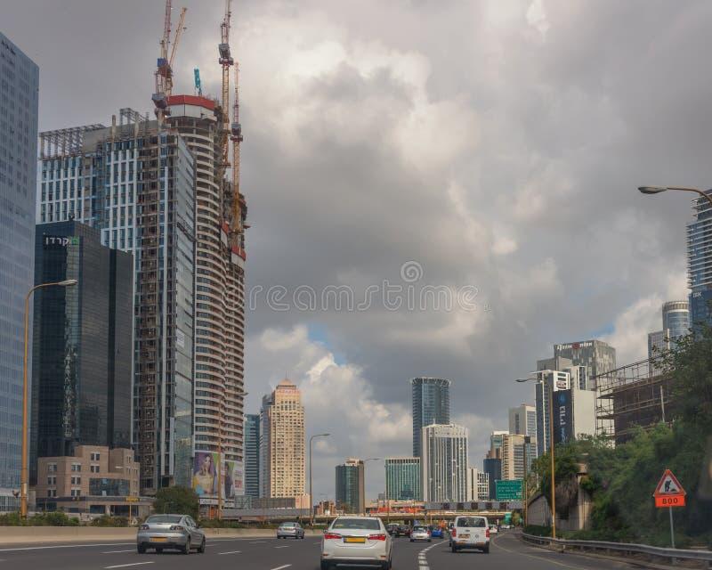 Cidade moderna do Médio Oriente Tel Aviv, a capital de Israel Arquitetura moderna Paisagem da cidade Transporte, prédio imagens de stock royalty free