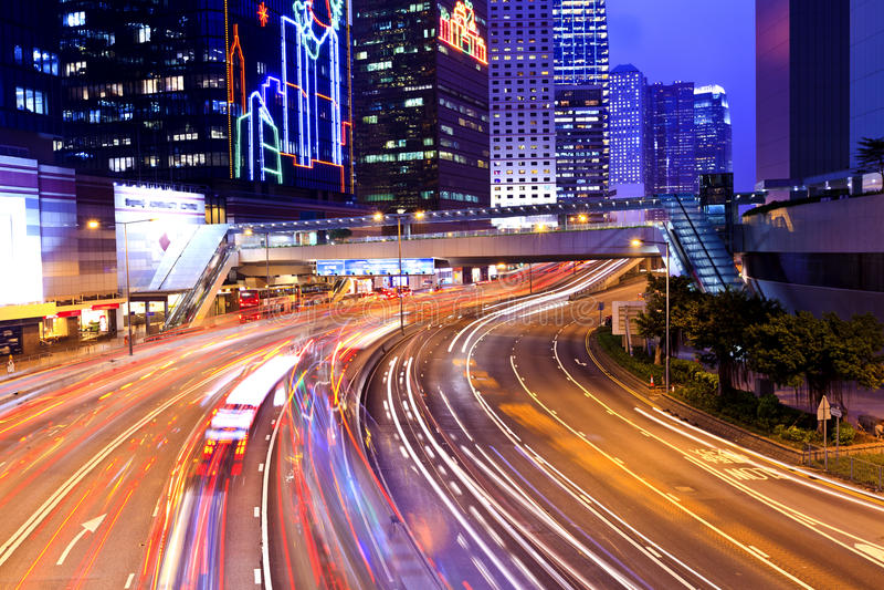 Cidade moderna na noite foto de stock