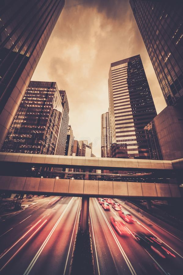 Cidade moderna na noite foto de stock royalty free