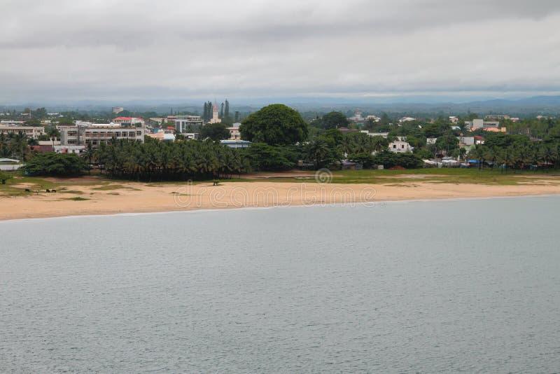 Cidade na costa tropical Toamasina, Madagáscar fotos de stock royalty free