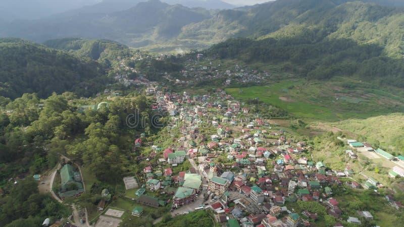 Cidade na província de montanha Sagada, Filipinas filme