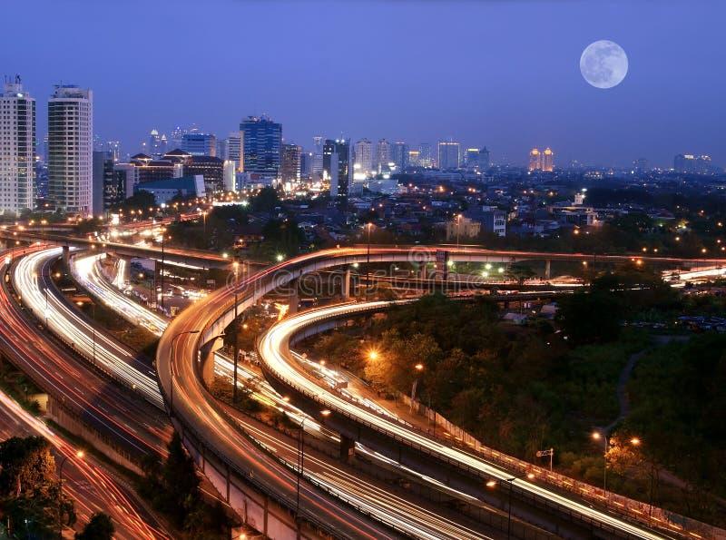 Cidade no crepúsculo foto de stock