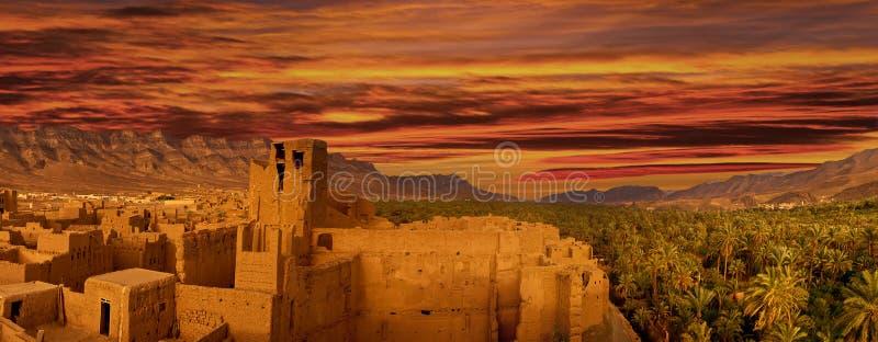 Cidade no norte de África, Marrocos imagem de stock