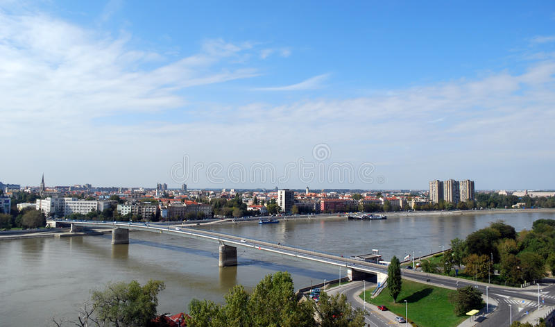Cidade Novi de Serbia triste imagem de stock
