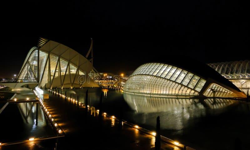 Cidade opinião da noite das artes e das ciências, Valência, Espanha fotos de stock