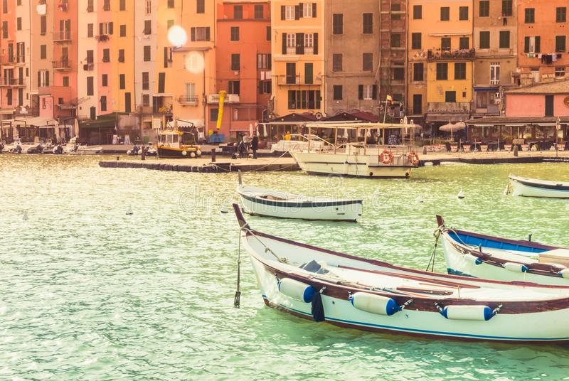 Cidade pequena de Porto Venere da vista panorâmica de Cinque Terre foto de stock royalty free
