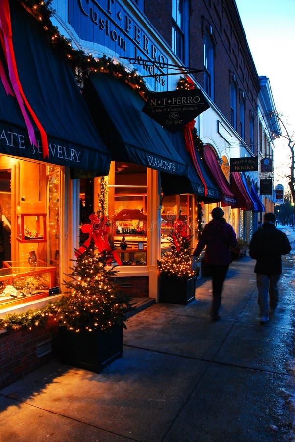 Cidade pequena durante os feriados imagem de stock