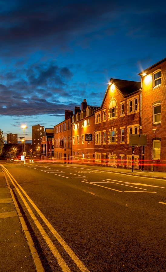 Cidade Reino Unido de Birmingham no crepúsculo imagens de stock