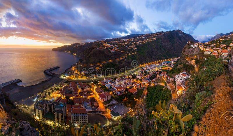 Cidade Ribeira Brava - Madeira Portugal fotografia de stock