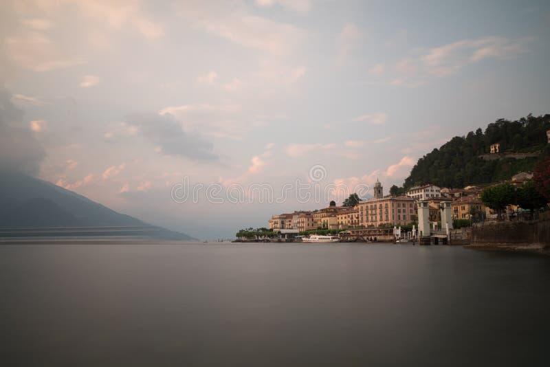 Cidade romântica de Bellagio no lago do como fotos de stock