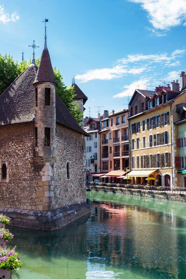Cidade velha com canal, Annecy, França fotografia de stock